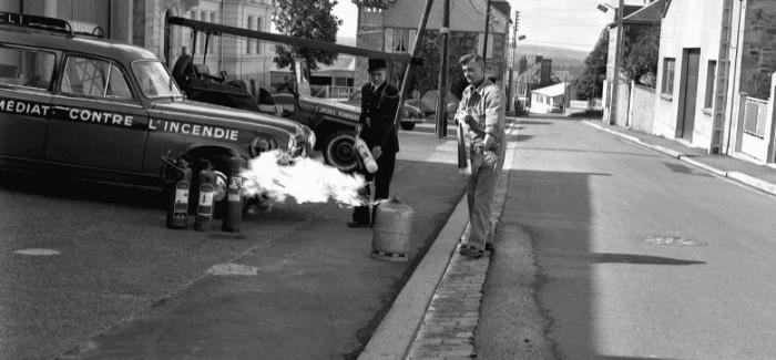1962 – Démonstration extinction bouteille de Gaz