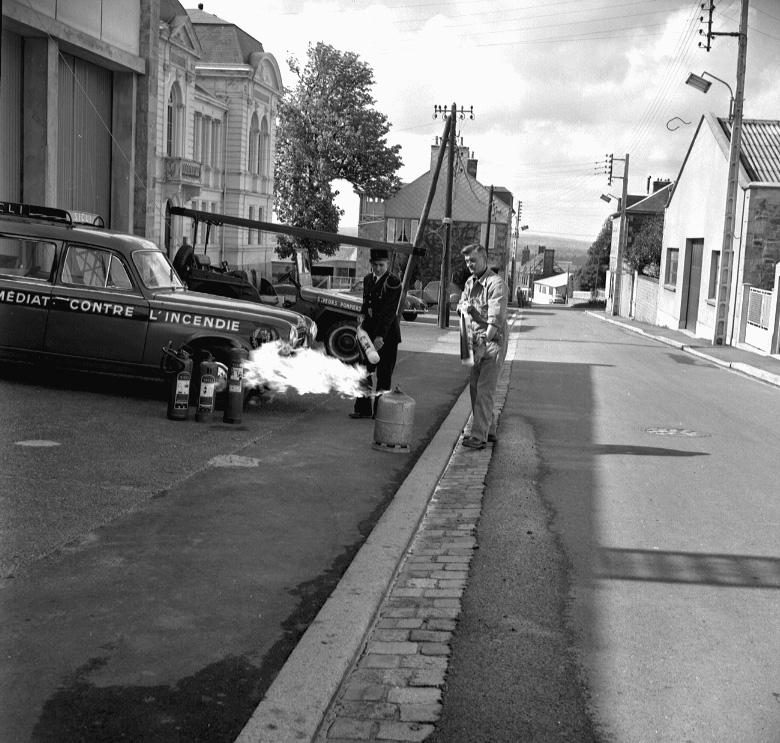 1962 - Pompiers bouteille gaz